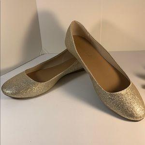 👠NWT Gold Flats